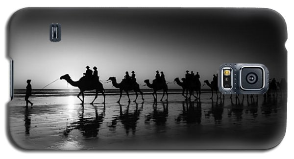 Camels On The Beach Galaxy S5 Case