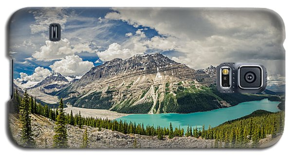 Galaxy S5 Case featuring the photograph Canadian Beauty 3 by Thomas Born