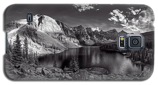 Galaxy S5 Case featuring the photograph Canadian Beauty 6 by Thomas Born