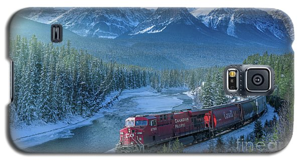 Canadian Pacific Railway Through The Rocky Mountains Galaxy S5 Case by Rod Jellison