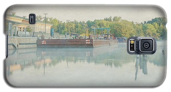 Galaxy S5 Case featuring the photograph Canal In Pastels by Everet Regal
