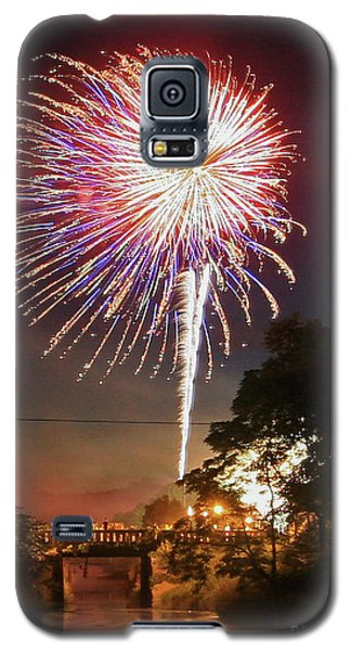 Canal View Of Fire Works Galaxy S5 Case
