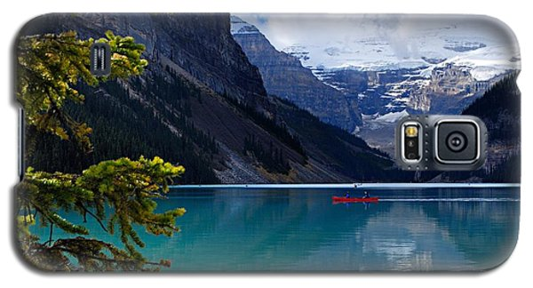 Canoe On Lake Louise Galaxy S5 Case