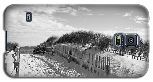 Cape Cod Beach Entry Galaxy S5 Case by Mircea Costina Photography
