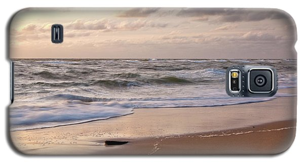 Galaxy S5 Case featuring the photograph Cape Cod Sunrise 1 by Susan Cole Kelly