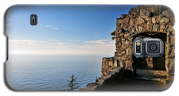 Galaxy S5 Case featuring the photograph Cape Perpetua Stone Shelter by Lara Ellis