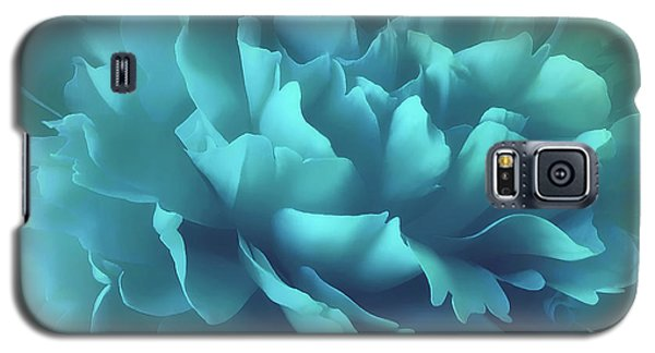 Galaxy S5 Case featuring the photograph Caribbean Splash by Darlene Kwiatkowski