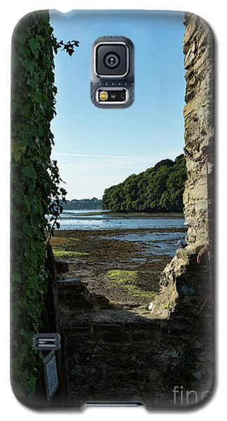 Galaxy S5 Case featuring the photograph Photographs Of Cornwall Carnon Mine Window by Brian Roscorla