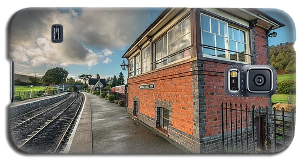 Galaxy S5 Case featuring the photograph Carrog Signal Box by Adrian Evans