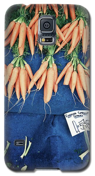 Carrots At The Market Galaxy S5 Case by Tom Gowanlock