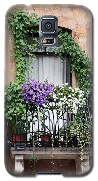 Cascading Floral Balcony Galaxy S5 Case