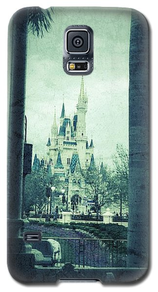 Castle Between The Palms Galaxy S5 Case