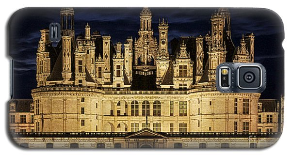 Galaxy S5 Case featuring the photograph Castle Chambord Illuminated by Heiko Koehrer-Wagner