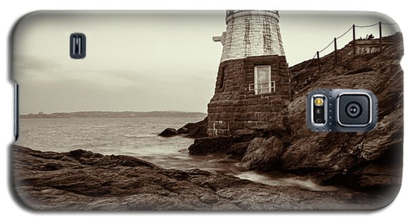 Galaxy S5 Case featuring the photograph Castle Hill by Andrew Pacheco