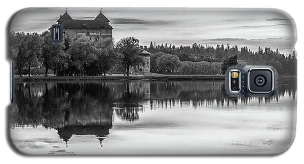 Castle In Black And White Galaxy S5 Case