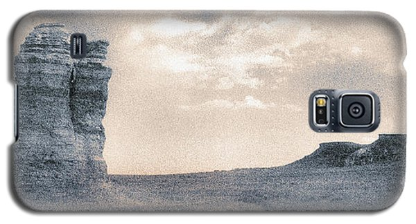 Galaxy S5 Case featuring the photograph Castles Of Wonder by Thomas Bomstad