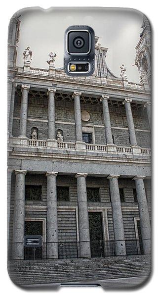 Galaxy S5 Case featuring the photograph Catedral De La Almudena 2 by Angel Jesus De la Fuente