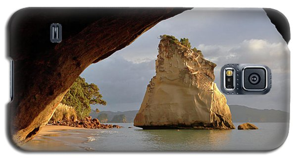 Cathedral Cove Galaxy S5 Case