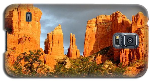 Cathedral Formation Galaxy S5 Case