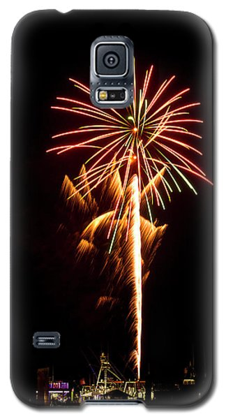Galaxy S5 Case featuring the photograph Celebration Fireworks by Bill Barber
