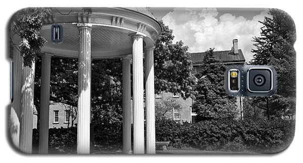 Chapel Hill Old Well In Black And White Galaxy S5 Case