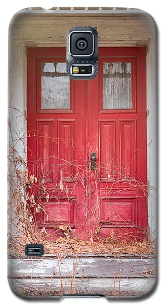 Charming Old Red Doors Portrait Galaxy S5 Case
