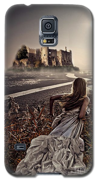 Chasing The Dreams Galaxy S5 Case by Mo T