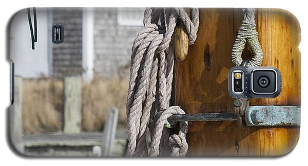 Galaxy S5 Case featuring the photograph Chatham Old Salt by Charles Harden