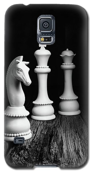 Knight Galaxy S5 Case - Chess Pieces On Old Wood by Tom Mc Nemar