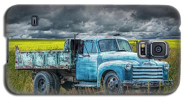 Chevy Truck Stranded By The Side Of The Road Galaxy S5 Case