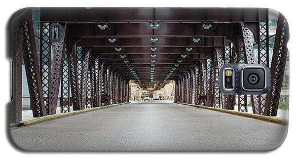 Galaxy S5 Case featuring the photograph Chicago Bridges by Wilko Van de Kamp
