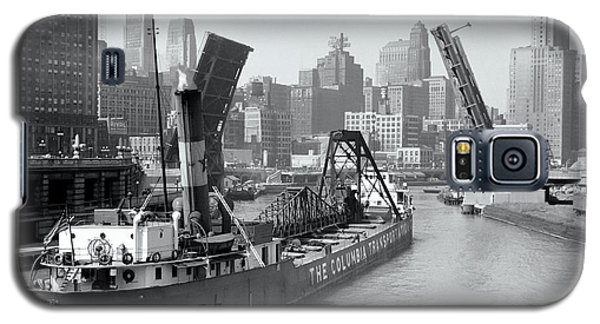 Galaxy S5 Case featuring the photograph Chicago Draw Bridge 1941 by Daniel Hagerman