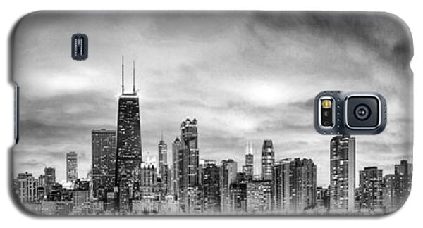 Chicago Gotham City Skyline Black And White Panorama Galaxy S5 Case by Christopher Arndt