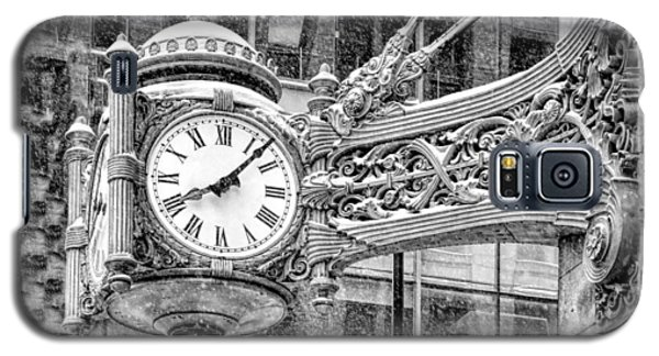 Galaxy S5 Case featuring the photograph Chicago Marshall Field State Street Clock Black And White by Christopher Arndt