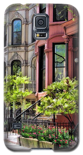 Galaxy S5 Case featuring the painting Chicago North Shore Greystones by Christopher Arndt
