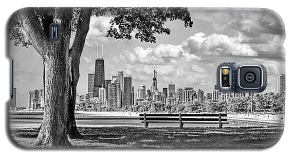 Galaxy S5 Case featuring the photograph Chicago North Skyline Park Black And White by Christopher Arndt