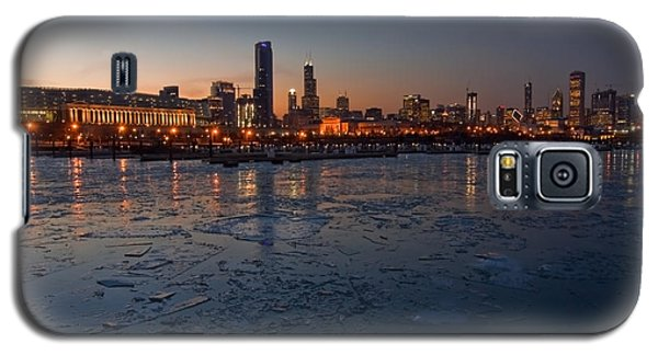 Chicago Skyline At Dusk Galaxy S5 Case by Sven Brogren
