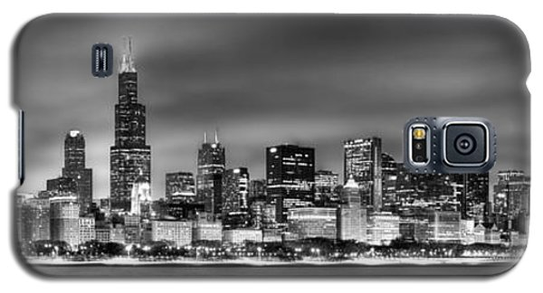 City Scenes Galaxy S5 Case - Chicago Skyline At Night Black And White by Jon Holiday