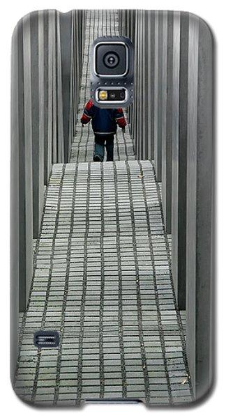 Child In Berlin Galaxy S5 Case