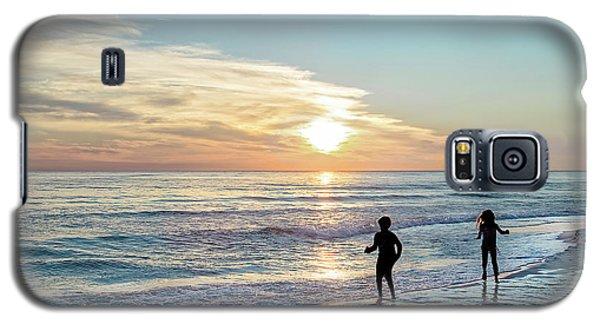 Children At Play On A Florida Beach  Galaxy S5 Case