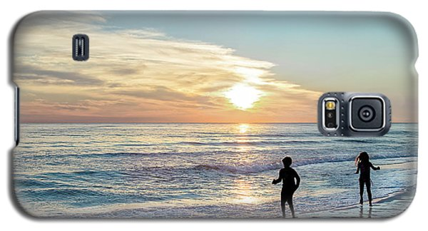 Children At Play On A Florida Beach  Galaxy S5 Case