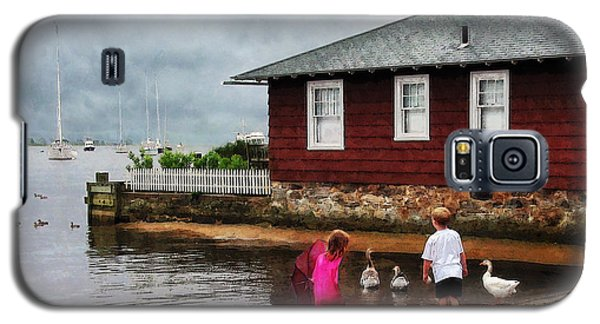 Galaxy S5 Case featuring the photograph Children Playing At Harbor Essex Ct by Susan Savad