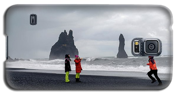 Galaxy S5 Case featuring the photograph China's Tourists In Reynisfjara Black Sand Beach, Iceland by Dubi Roman