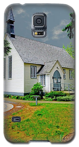Galaxy S5 Case featuring the photograph Christ Church by Rod Wiens