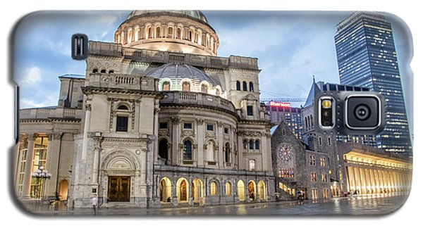 Galaxy S5 Case featuring the photograph Christian Science Center In Boston by Peter Ciro