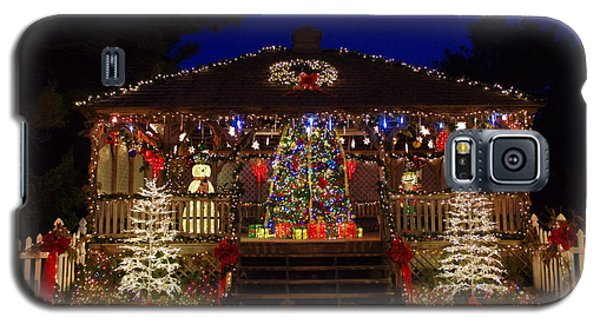 Christmas At The Lighthouse Gazebo Galaxy S5 Case by Greg Graham