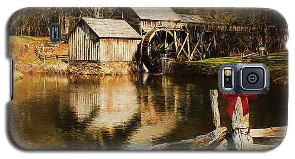 Galaxy S5 Case featuring the photograph Christmas At The Mill by Darren Fisher