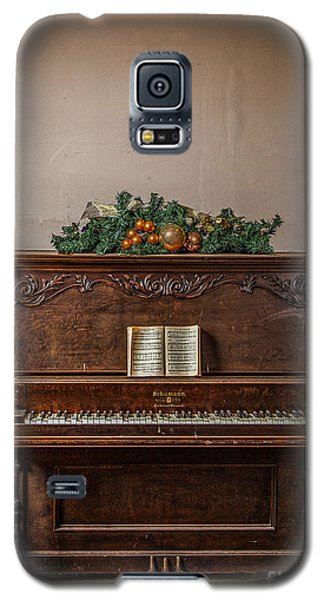 Christmas Card With Piano In Old Church Galaxy S5 Case