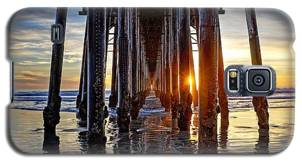 Christmas Eve At The Pier Galaxy S5 Case by Ann Patterson