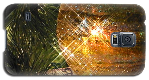 Galaxy S5 Case featuring the photograph Christmas Magic by Diane Merkle